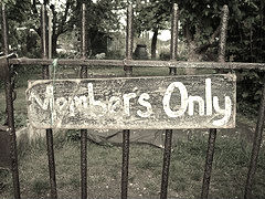 00 Members only sign